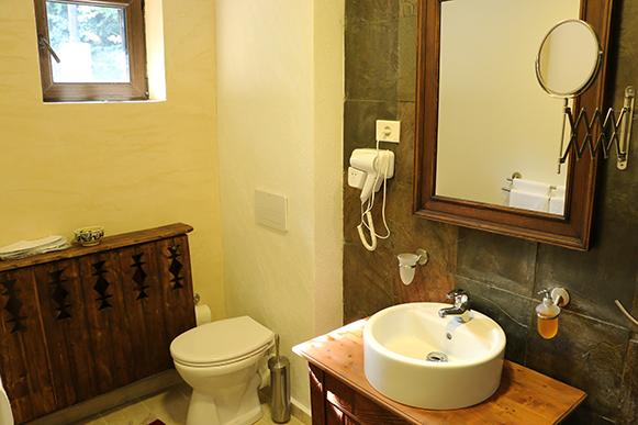 cabana izvoranu buzau camera 4 baie